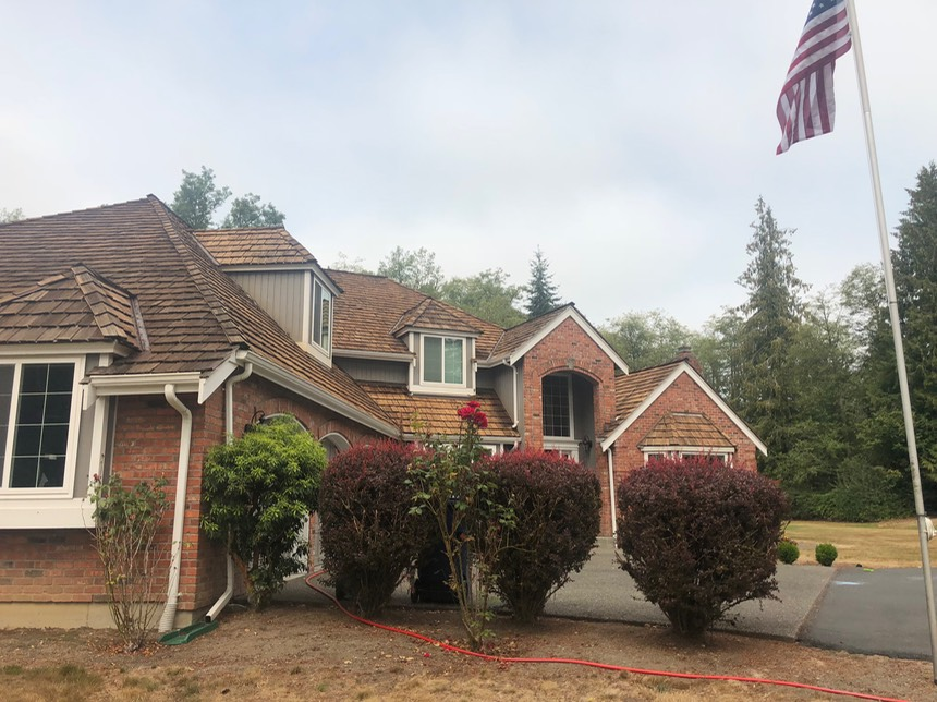 Cedar Shake Roof Repairs Cleaning And Restoration Peak